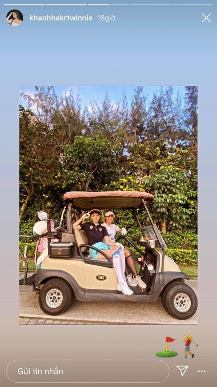 dàn gái xinh sân golf: Đẳng cấp gái xinh, càng tập trung lại càng lôi cuốn