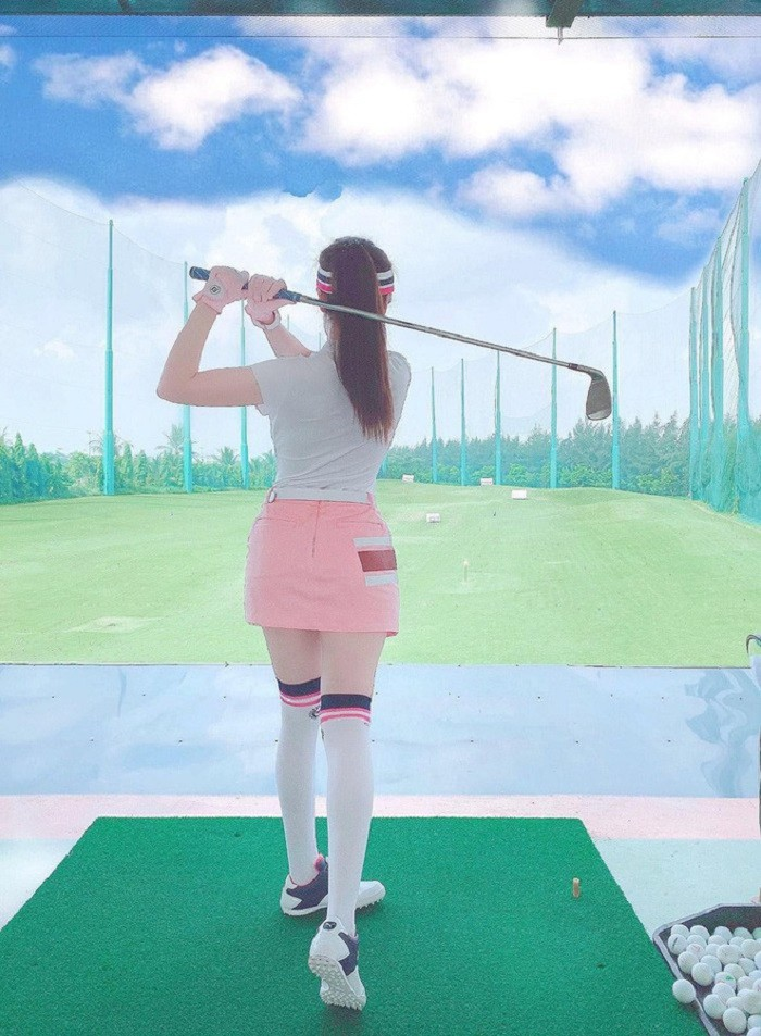 dàn gái xinh sân golf