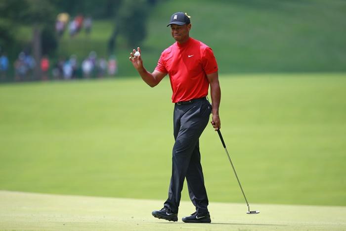 Tiger Woods, người thực hiện kỹ thuật gạt bóng hoàn hảo