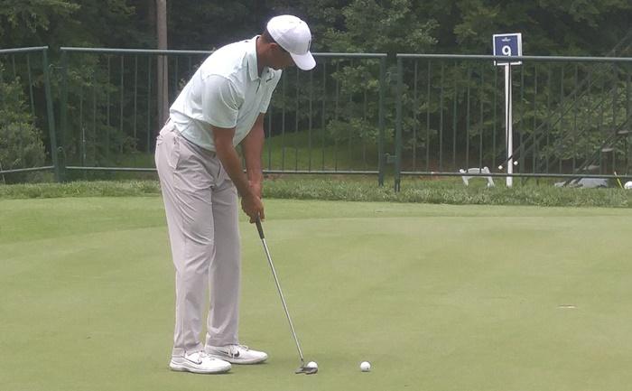 Chìa khóa giúp Tiger Woods thành công trong kỹ thuật gạt bóng chính là sự tập trung cao độ