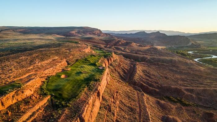 Sân golf  sa mạc Coral Canyon tận dụng tối đa cảnh sắc đặc trưng của tiểu bang Utah