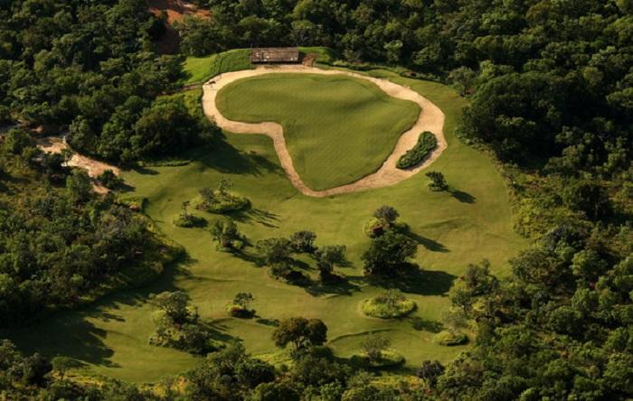 Lỗ golf dị nhất thế giới Nam Phi