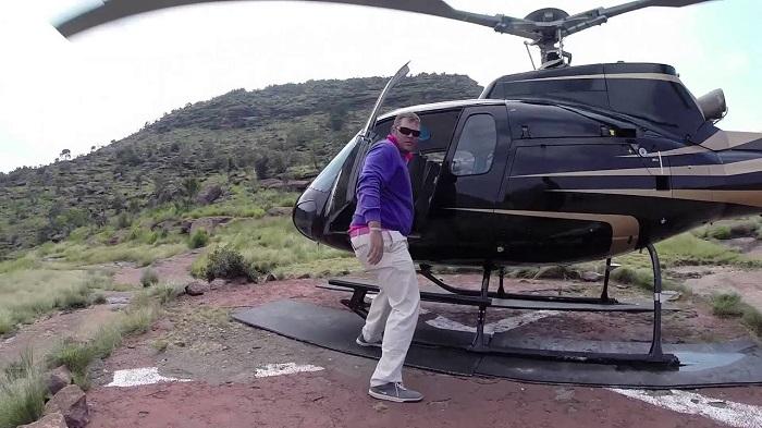 lỗ golf dị nhất thế giới nằm trên đỉnh 1 ngọn núi