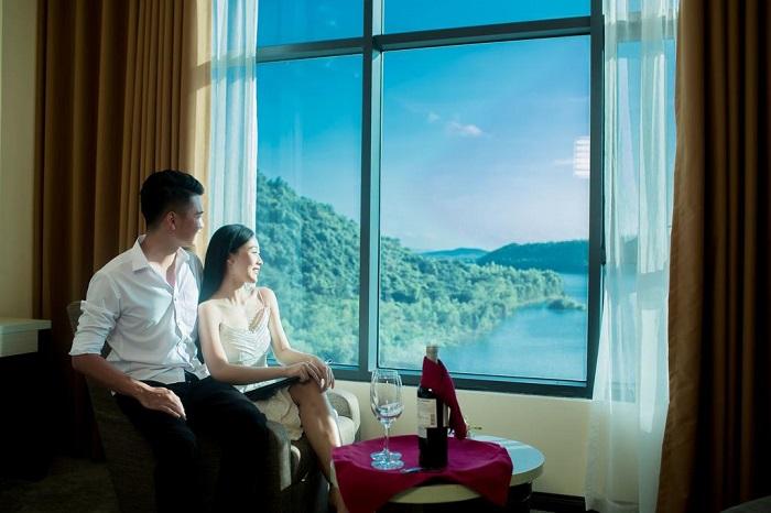 Lưu trú tại khách sạn Mường Thanh Diễn Lâm sang trọng và hiện đại