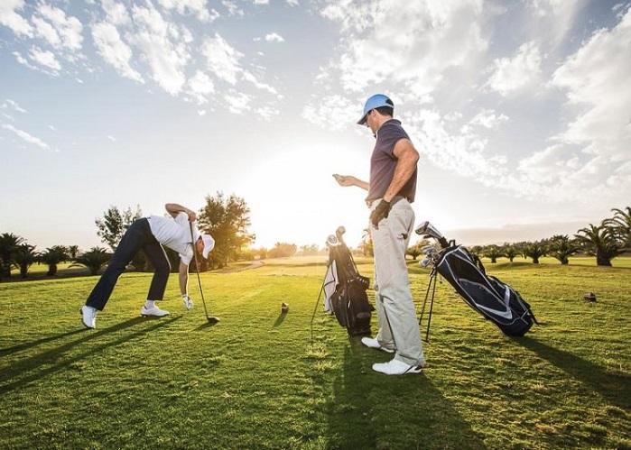 Điểm mặt chỉ tên những món phụ kiện mà mọi golfer cần phải có khi lên sân