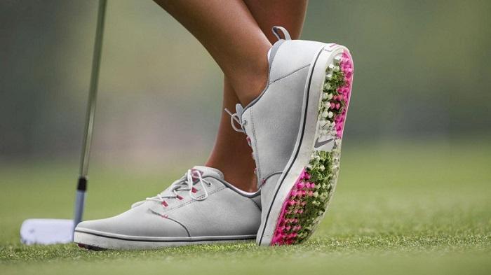 giày golf là một thứ phụ kiện chơi golf cần thiết