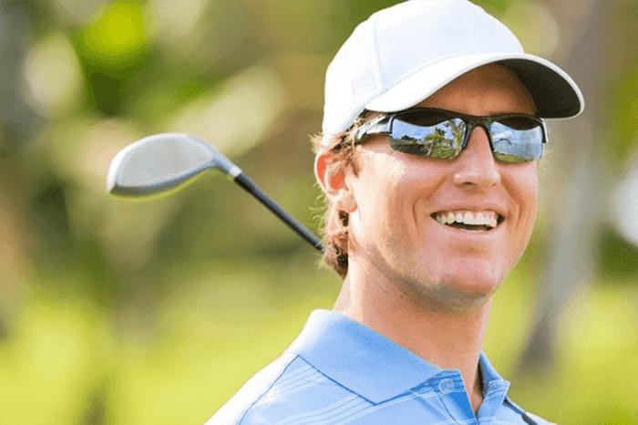 quà cho golfer là kính râm