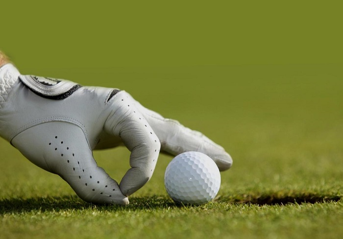 quà cho golfer là găng tay