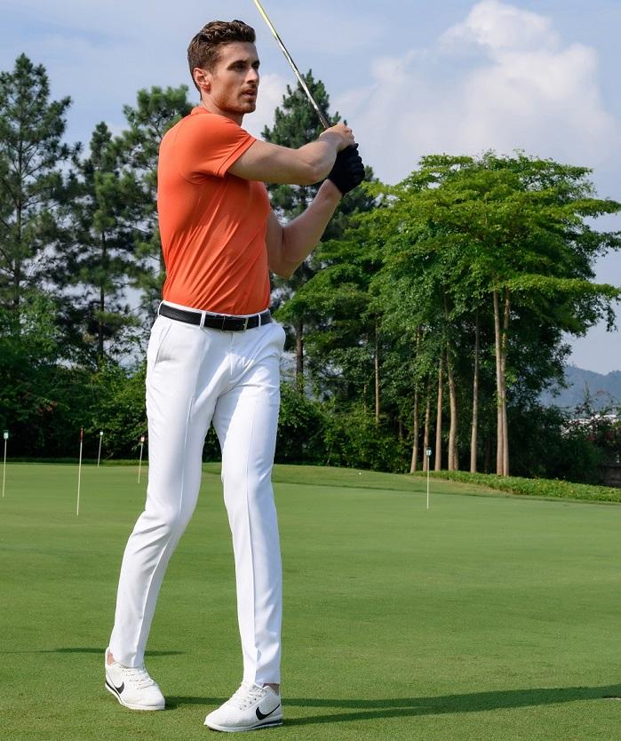 những quy tắc ăn mặc khi chơi golf bạn cần phải biết