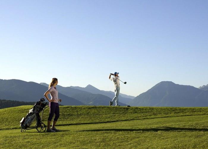 Sân golf Margarethenhof: Một góc mê hoặc của nước Đức