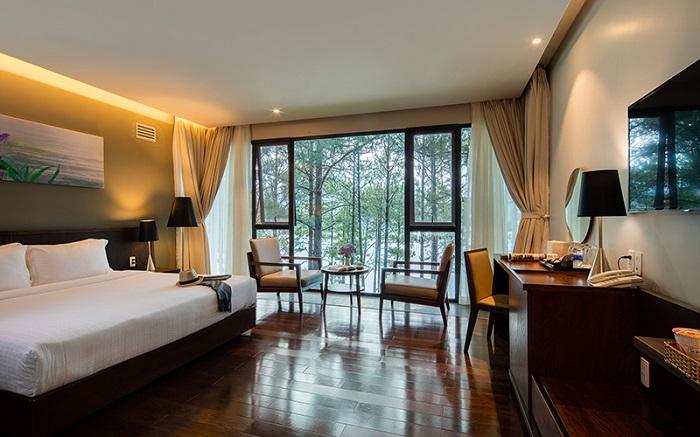 Phòng nghỉ ở Terracotta Hotel & Resort Dalat hiện đại và tiện ích