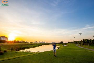 Những hình ảnh đẹp lạ tại sân golf Long Biên
