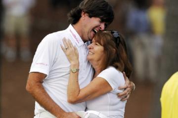 9 khoảnh khắc tuyệt vời về mẹ của các golfer nổi tiếng