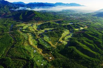 Sân golf ở nhiều tỉnh thành được phép hoạt động trở lại