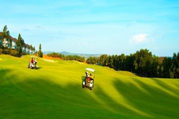 Khuyến mãi 1 vòng golf + 1 đêm Terracotta Resort & Spa 4* chỉ 2,3 triệu