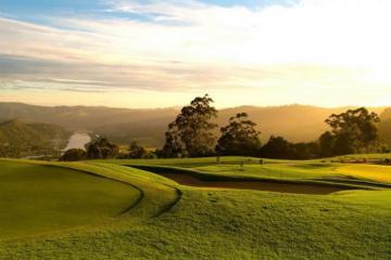 Sân golf Simola - Viên ngọc xanh Nam Phi đáng thử một lần trong đời