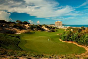 Điều gì khiến The Bluffs Hồ Tràm Strip lọt top những sân golf tốt nhất thế giới