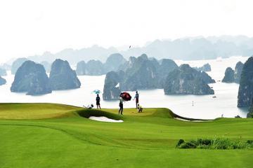 Từ 8/6, Quảng Ninh mở cửa trở lại sân golf cho khách nội tỉnh