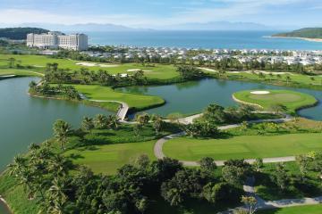Khuyến mãi 2 vòng golf + 2 đêm Vinpearl Nha Trang 5* chỉ 3,9 triệu