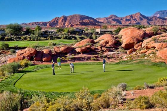 Những sân golf sa mạc hùng tráng ở miền cát đỏ Utah nước Mỹ