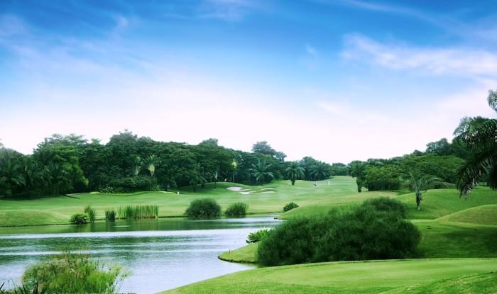 Cengkareng Golf Club: 'Golf bay' thú vị ở Indonesia
