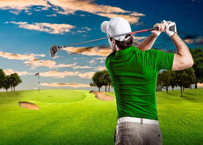 Vì sao người ta luôn đội mũ khi chơi golf? Đôi bên cùng có lợi!