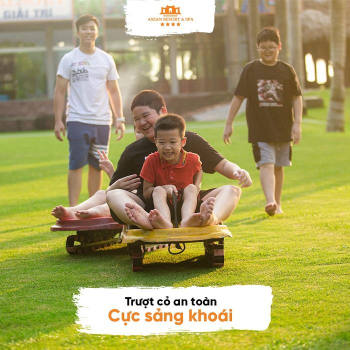 Trải nghiệm trượt cỏ đầy thú vị tại Sân golf Asean Resort Thạch Thất Hà Nội