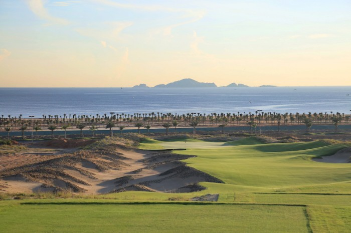 Chơi theo làn gió với sân KN Golf Links Cam Ranh