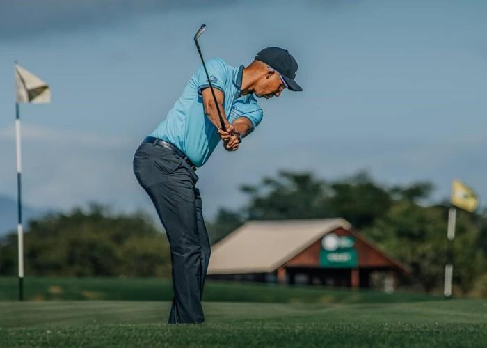 Đến Leopard Creek Country Club Nam Phi mà chơi golf giữa… cá sấu và báo