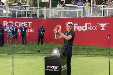 Cam Davis vô địch lĩnh 1,35 triệu USD tiền thưởng tại PGA Tour ở Detroit