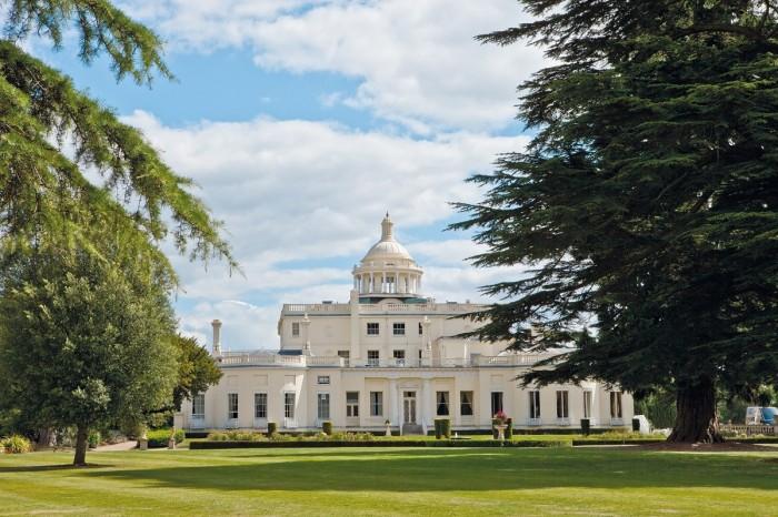Bên trong 'sân golf James Bond' Stoke Park trị giá 79 triệu USD của nước Anh