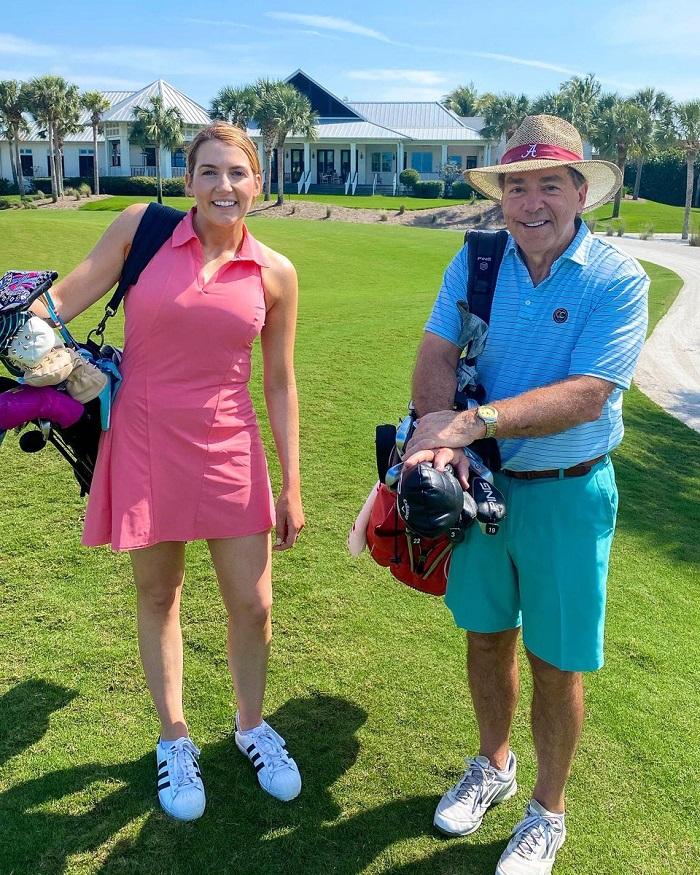 golfer nữ thuận tay trái