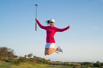 Phụ nữ chơi golf và 'nghìn lẻ một' lợi ích kỳ diệu đến không ngờ