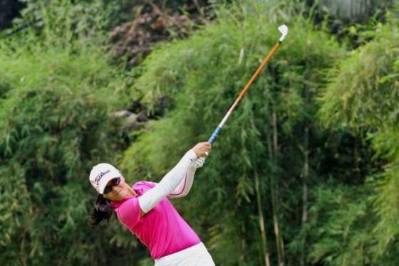 Golfer chuyên nghiệp Tăng Thị Nhung: Từ nữ golfer nhà nghề đầu tiên của Việt Nam tới cương vị huấn luyện viên golf