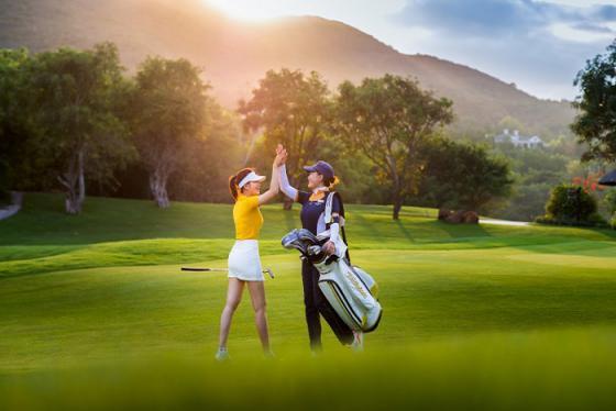 Ngắm nhìn khung cảnh tuyệt đẹp tại Vinpearl Nha Trang golf club, top 3 sân golf đẹp nhất Việt Nam