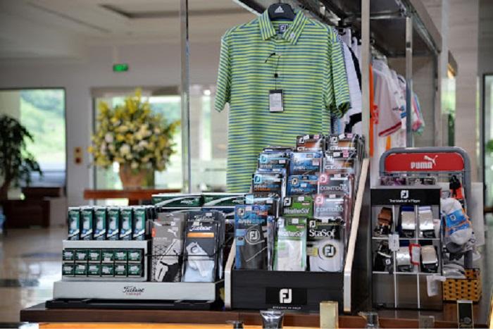 Cửa hàng proshop chuyên nghiệp Sân golf phoenix lương sơn hòa bình