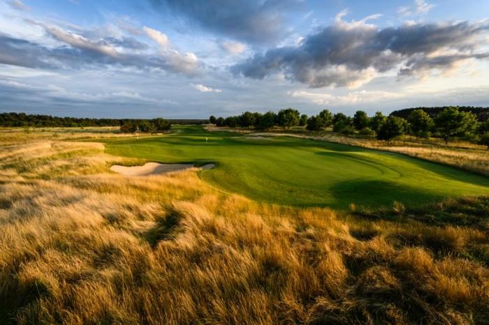 Golfclub WINSTONgolf: 'Người ngoài hành tinh' của nước Đức