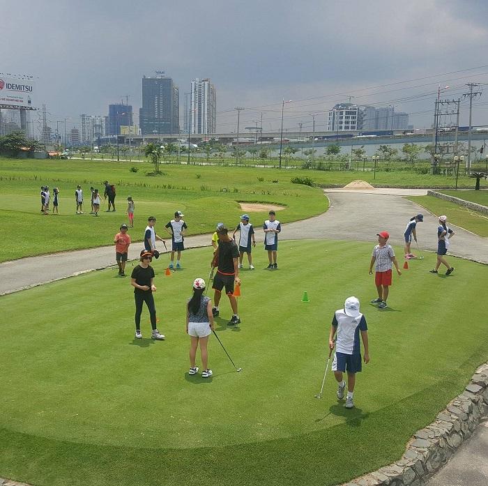 sân tập golf Rạch Chiếc Sài Gòn