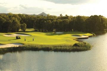Trải nghiệm ba sân golf ngập tràn ánh mặt trời ở Sunshine Coast